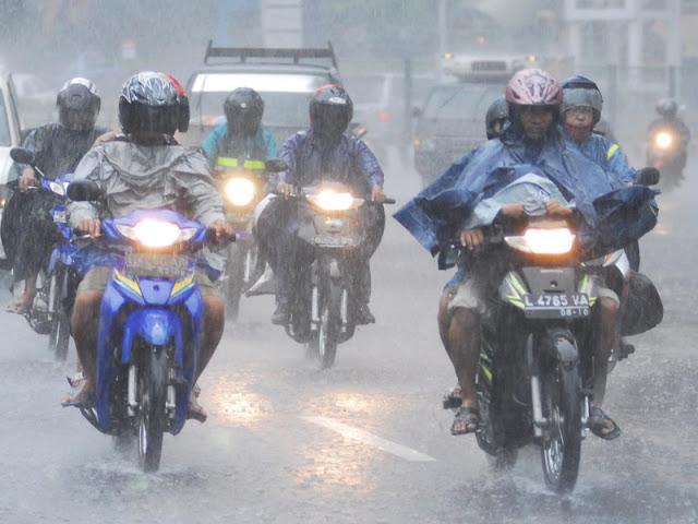 Ini Penyebab Hujan Lebat Saat Indonesia Mulai Kemarau