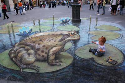 julián beever - julian beever sidewalk art - side walk chalk art - frog chalk art
