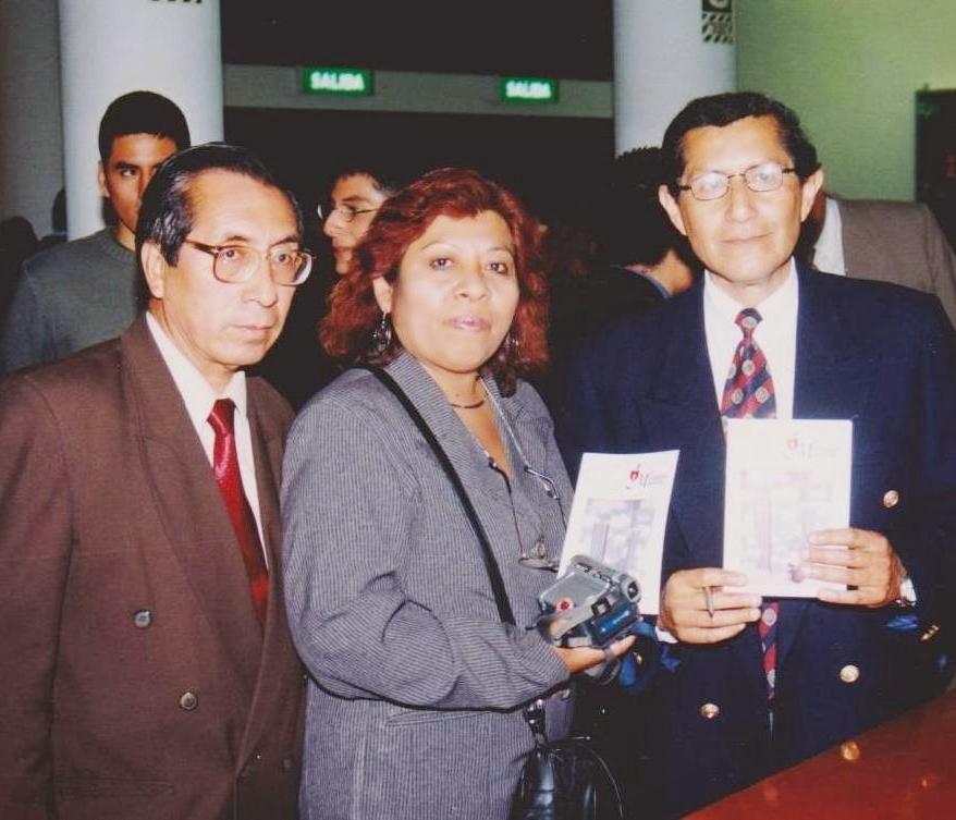 Con el Dr. Arrollo, presentación de su poemario