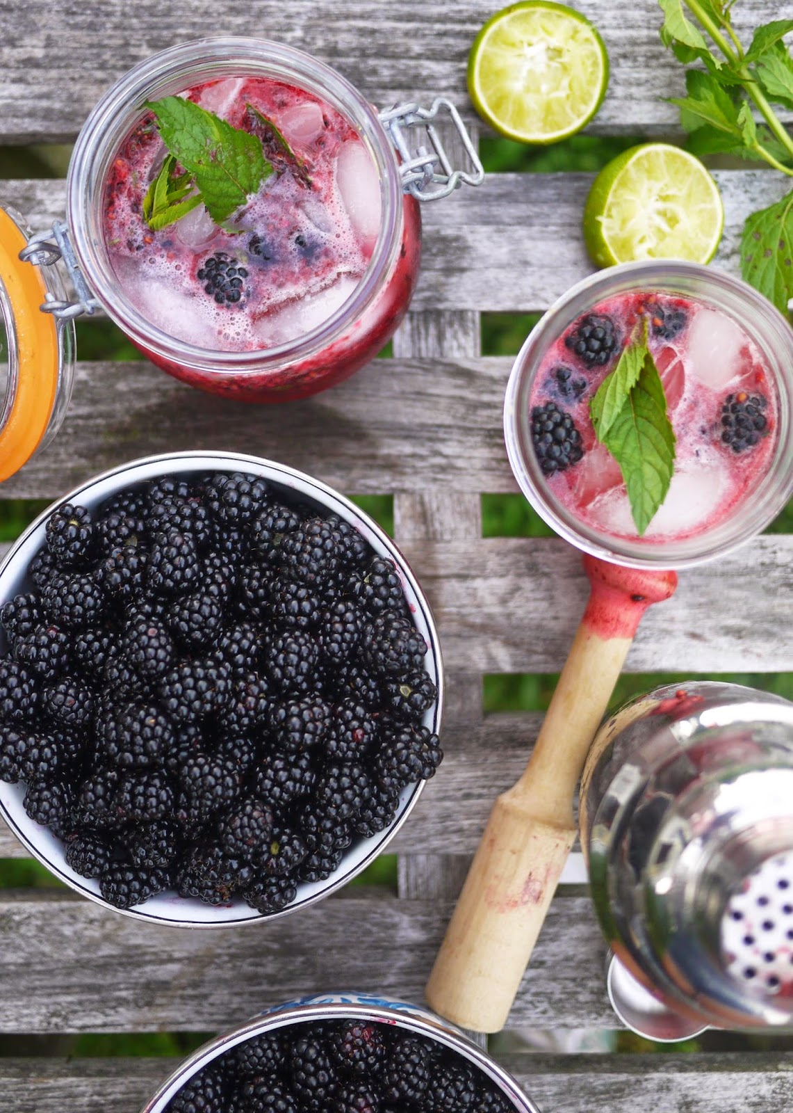 Cocktail Hour: Blackberry Bramble Smash - The Buggy Blog