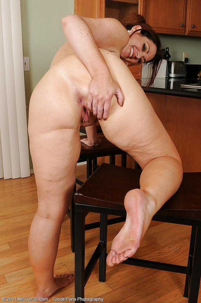 фото секс с взрослыми тетками фото женских пальчиков ног