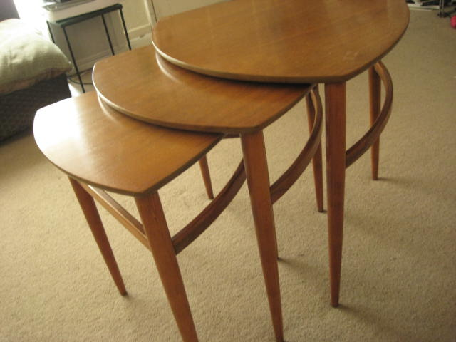 High Quality Morganton Mid Century Triangular Walnut Nesting Tables