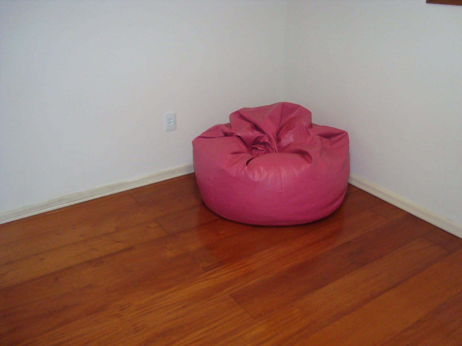 Cria es em fam lia cia sala sem sof for Sofas com chaise e puff