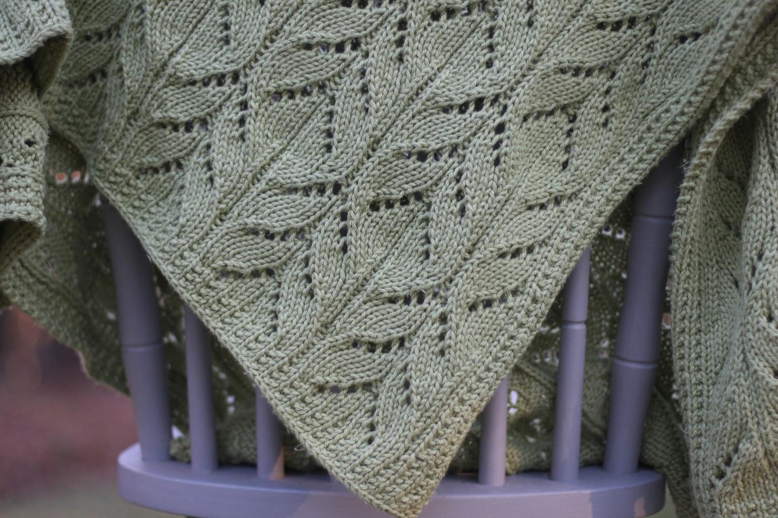 Modern Lace Baby Blanket Knitting Pattern Ornament - Decke Stricken ...