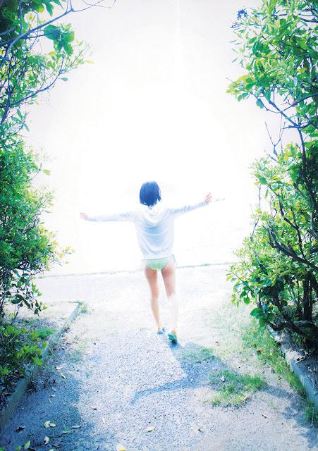 宮脇咲良 Sakura Miyawaki さくら Sakura 写真集 Photobook 38