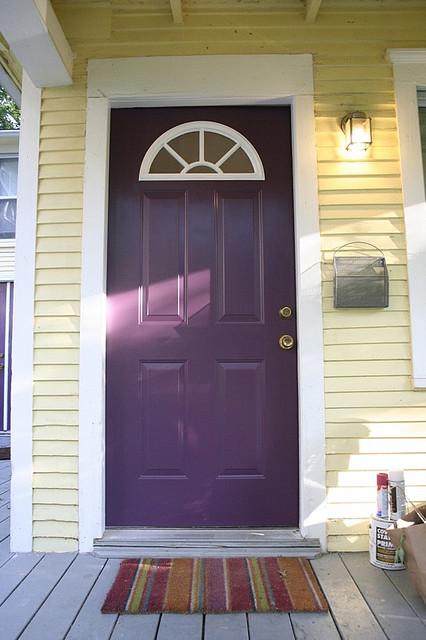 purple front door design 6 ไอเดียแต่งบ้านด้วยประตูบ้านสำหรับคนชอบสีม่วง
