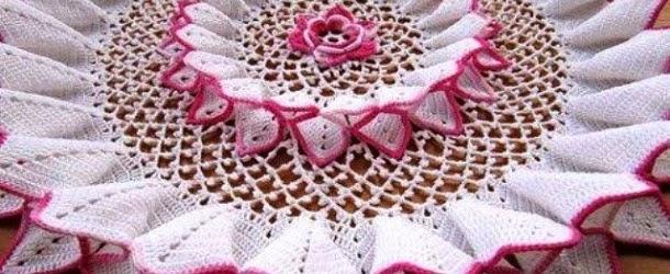 Linda-toalha-de-croch%C3%AA-flor-610x250