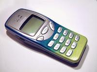 ponsel nokia 3210.
