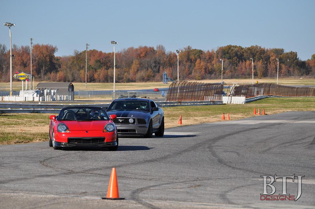 Toyota MR2, MK3, roadster, japoński sportowy samochód, wygląd, zdjęcia, wyścigi, tor, czerwona