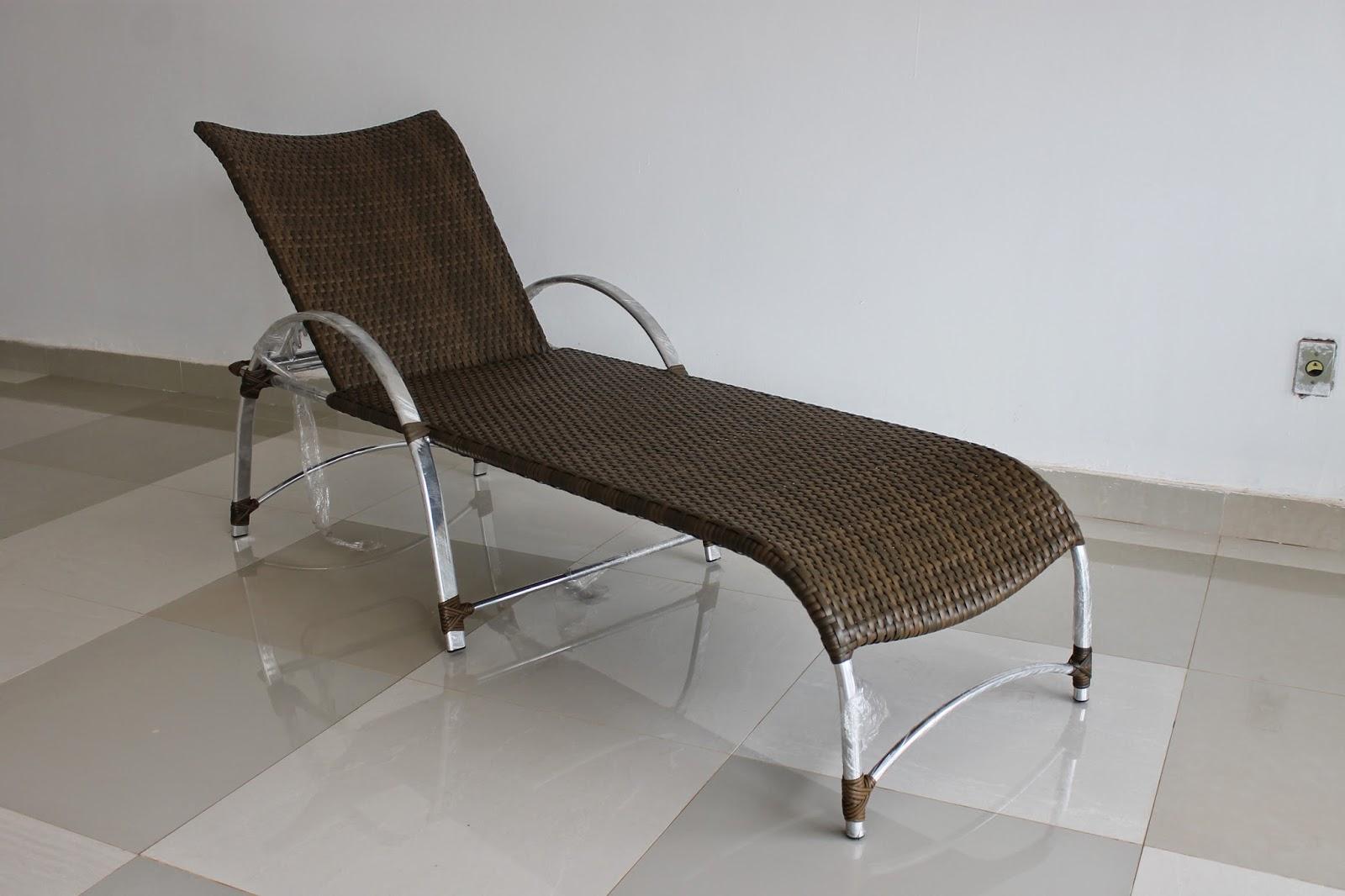 Cadeiras de piscina #3B3025 1600x1066