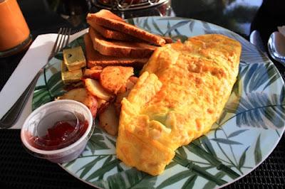Frühstücksomelett mit Bacon, Spinat und Käse © Copyright Monika Fuchs, TravelWorldOnline
