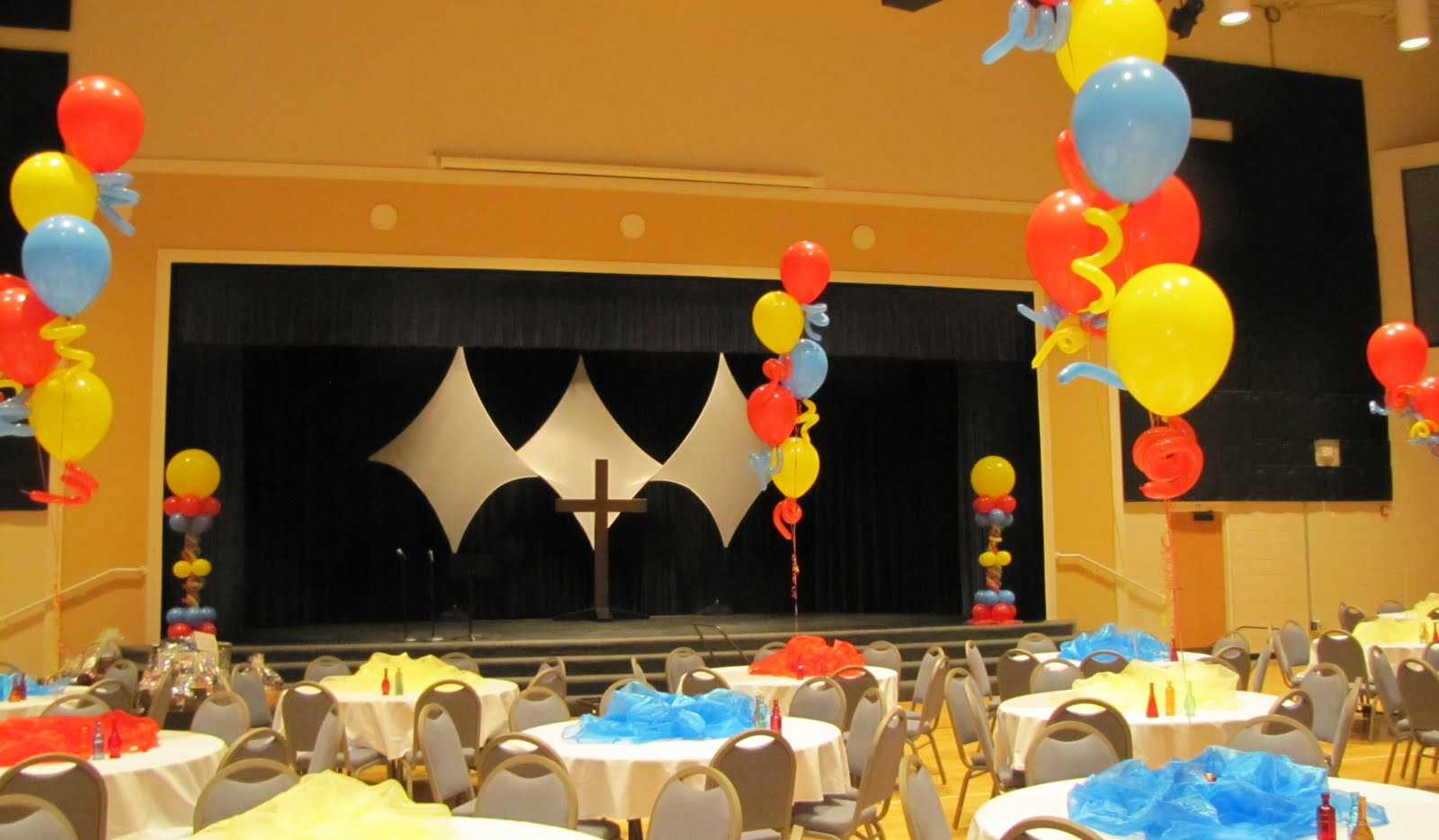 Party people event decorating company lakeland christian for Annual function stage decoration