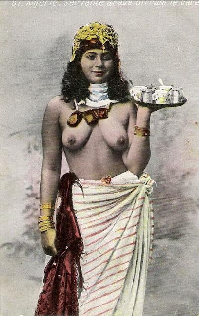 Эти эротические фотографии девушек были сделаны в конце 19 и в начале 20 ве