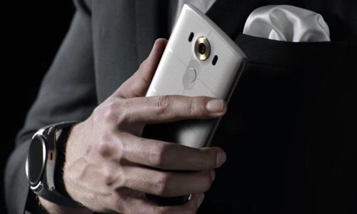 LG V10 perde para rivais em vida de bateria, mas tem recarga mais rápida