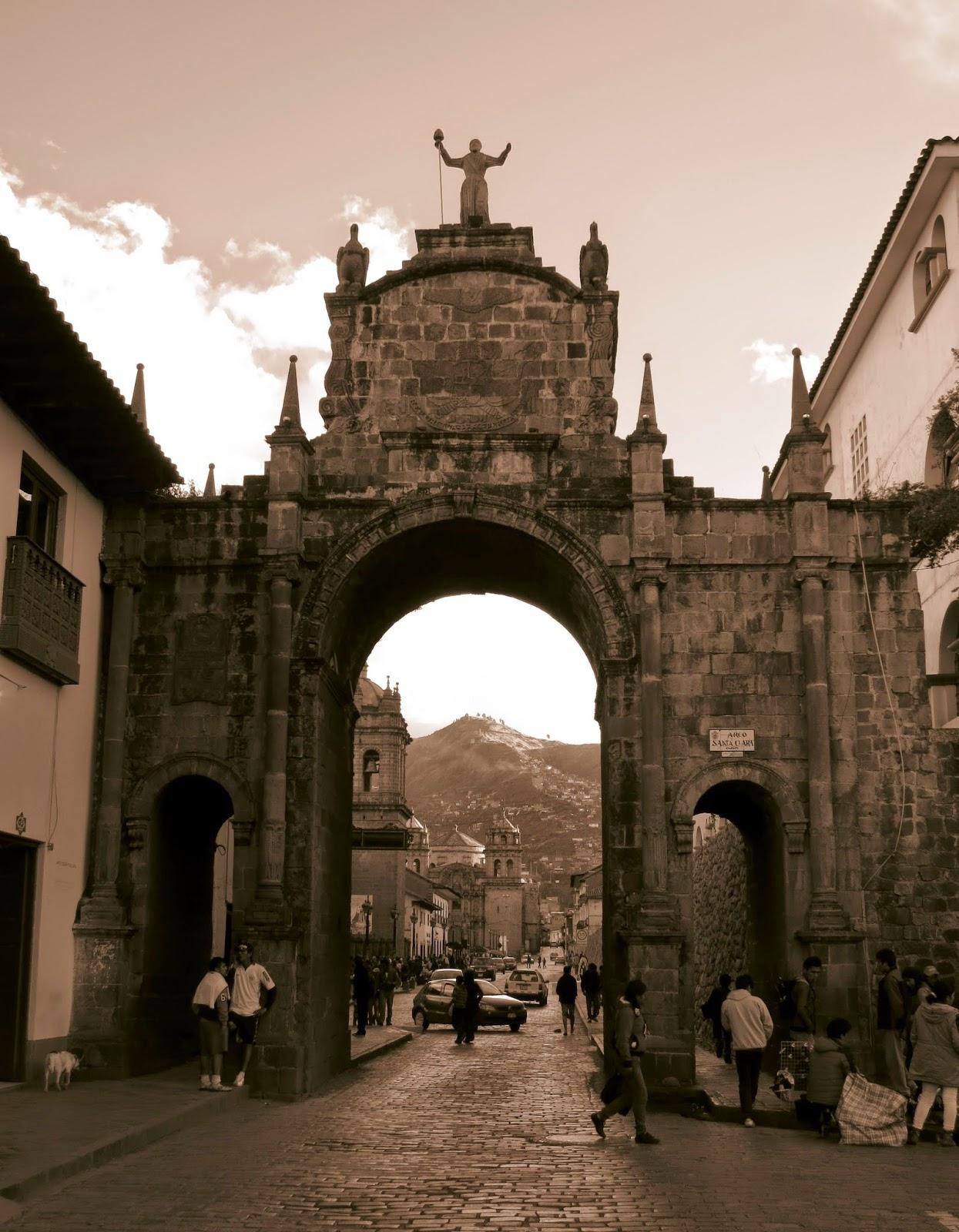 Arco de Santa Catalina - Cusco.