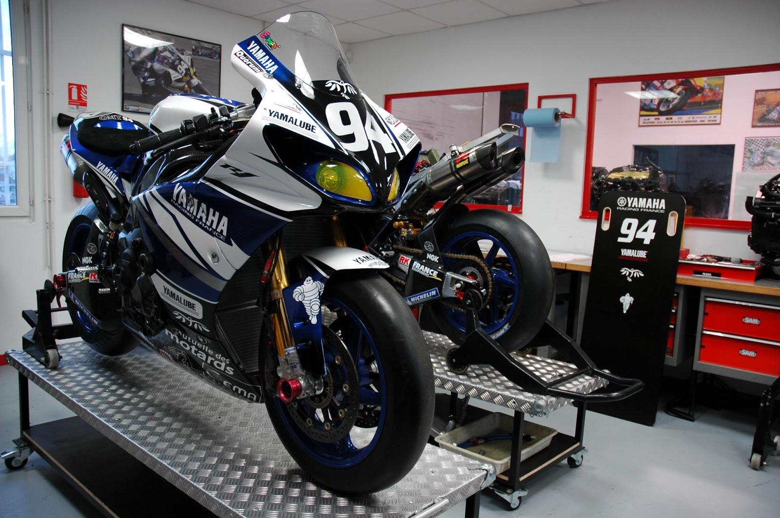 Yamaha YZF-R1 Team GMT94 2013