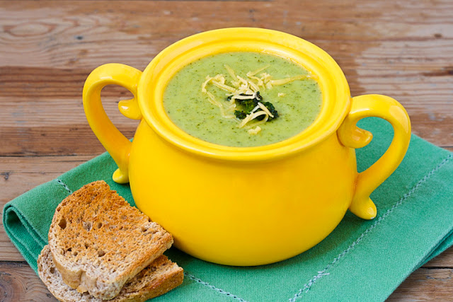 Low Calorie Broccoli Cheese Soup