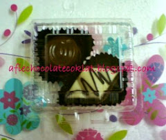 CHOC 2PCS IN SUSHI BOX @RM 2 (MOQ 100PCK)