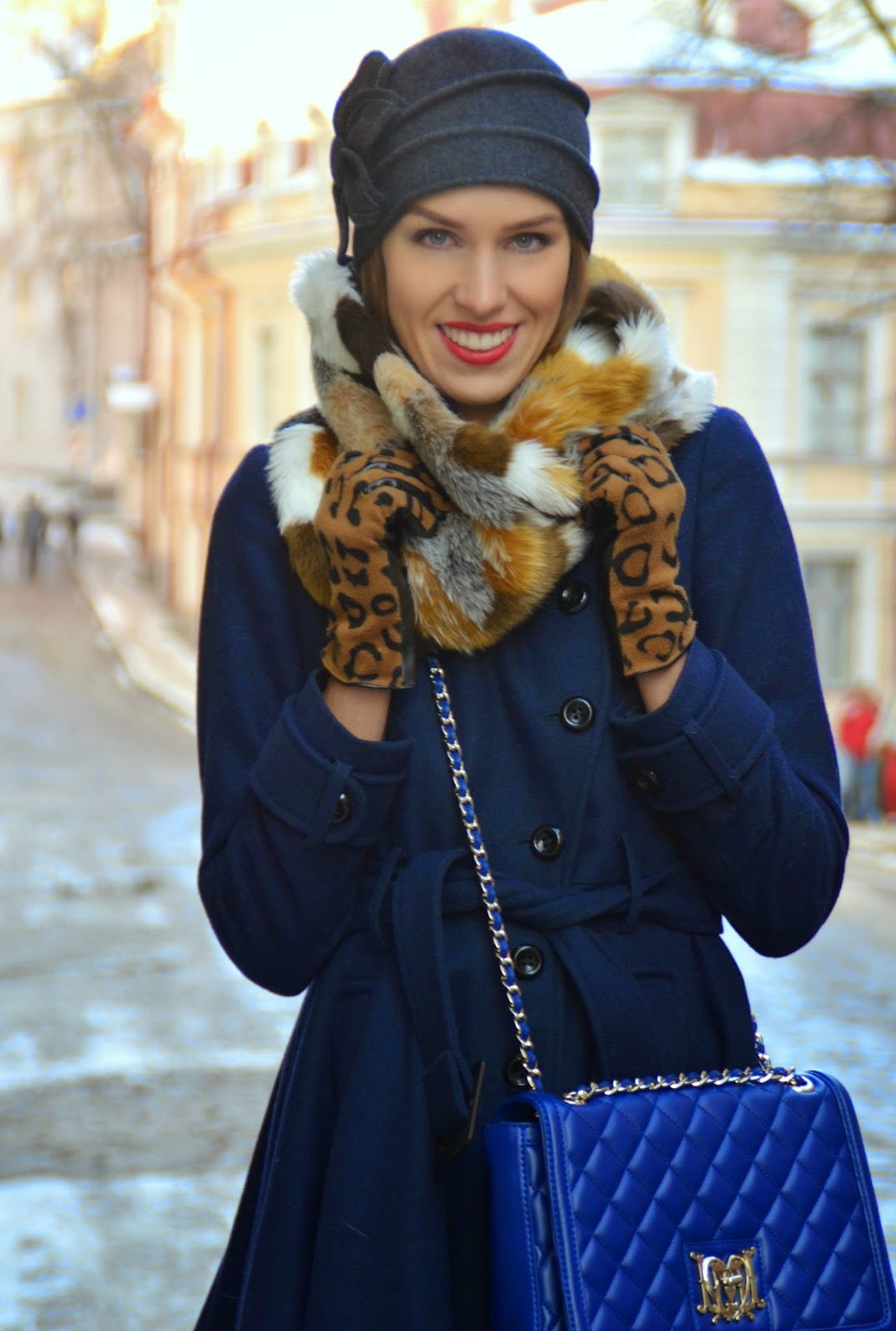 hm-leopard-gloves-gina-tricot-fur-snood-moschino-blue-bag-asos-coat kristjaana mere