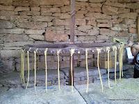 fabricación artesana de velas, artesanía, enredandonogaraxe.com