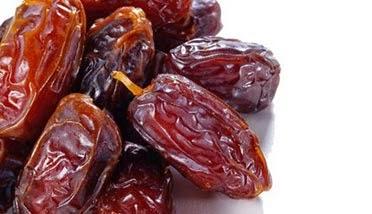 kurma paling manis, manfaat kurma, kandungan gizi dan vitamin dalam buah kurma, kurma penyebab timbulnya keputihan, bahaya makan kurma berlebihan