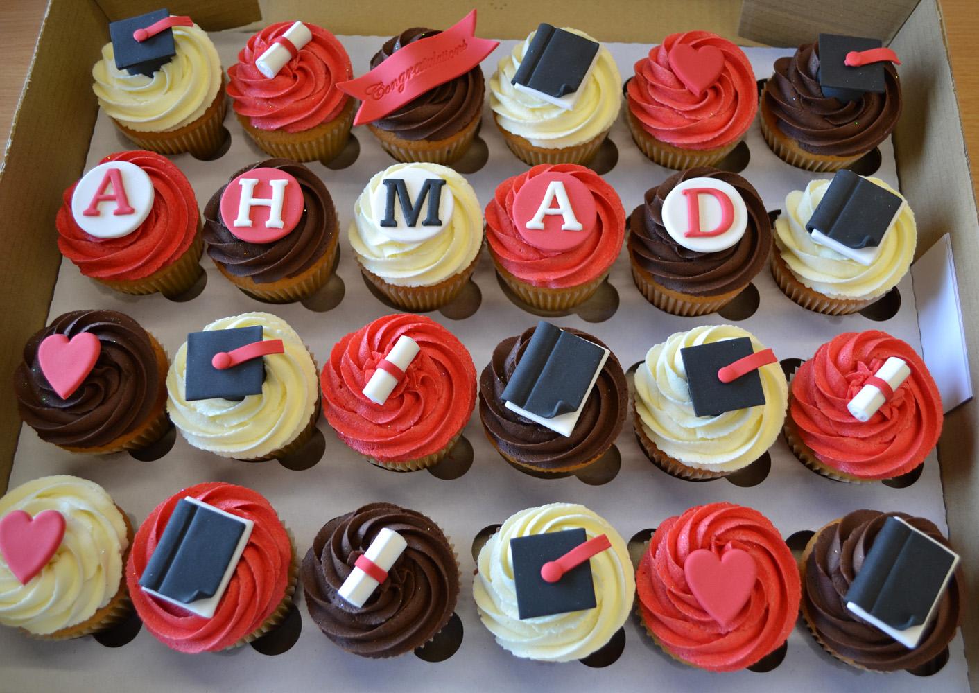 Little Paper Cakes Quot Congratulations Quot Graduation Cupcake