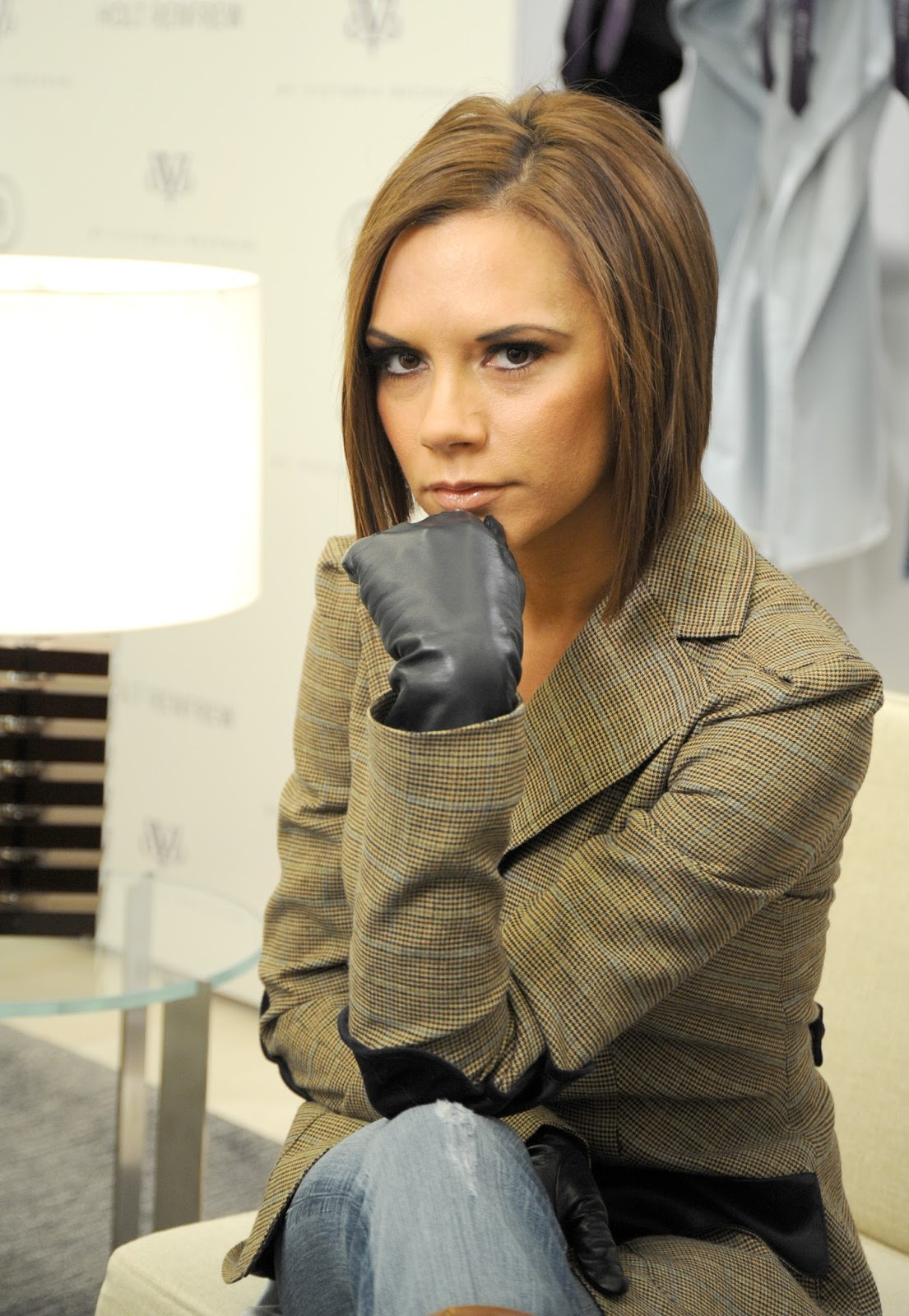 Womens leather gloves toronto - Posh Spice Debuts New Collection In Toronto