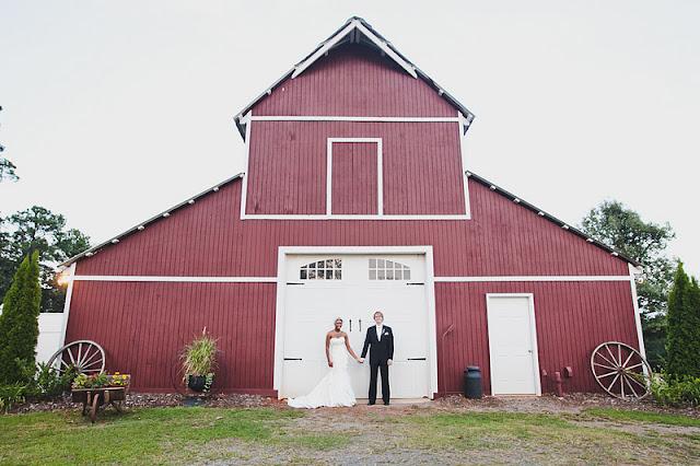 Mountain View Gardens And Ballroom Wedding Photography In Springville,  Alabama