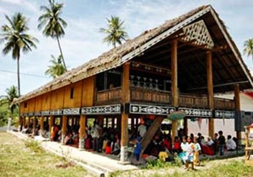 Rumah Panjang Betang Kalimantan Barat