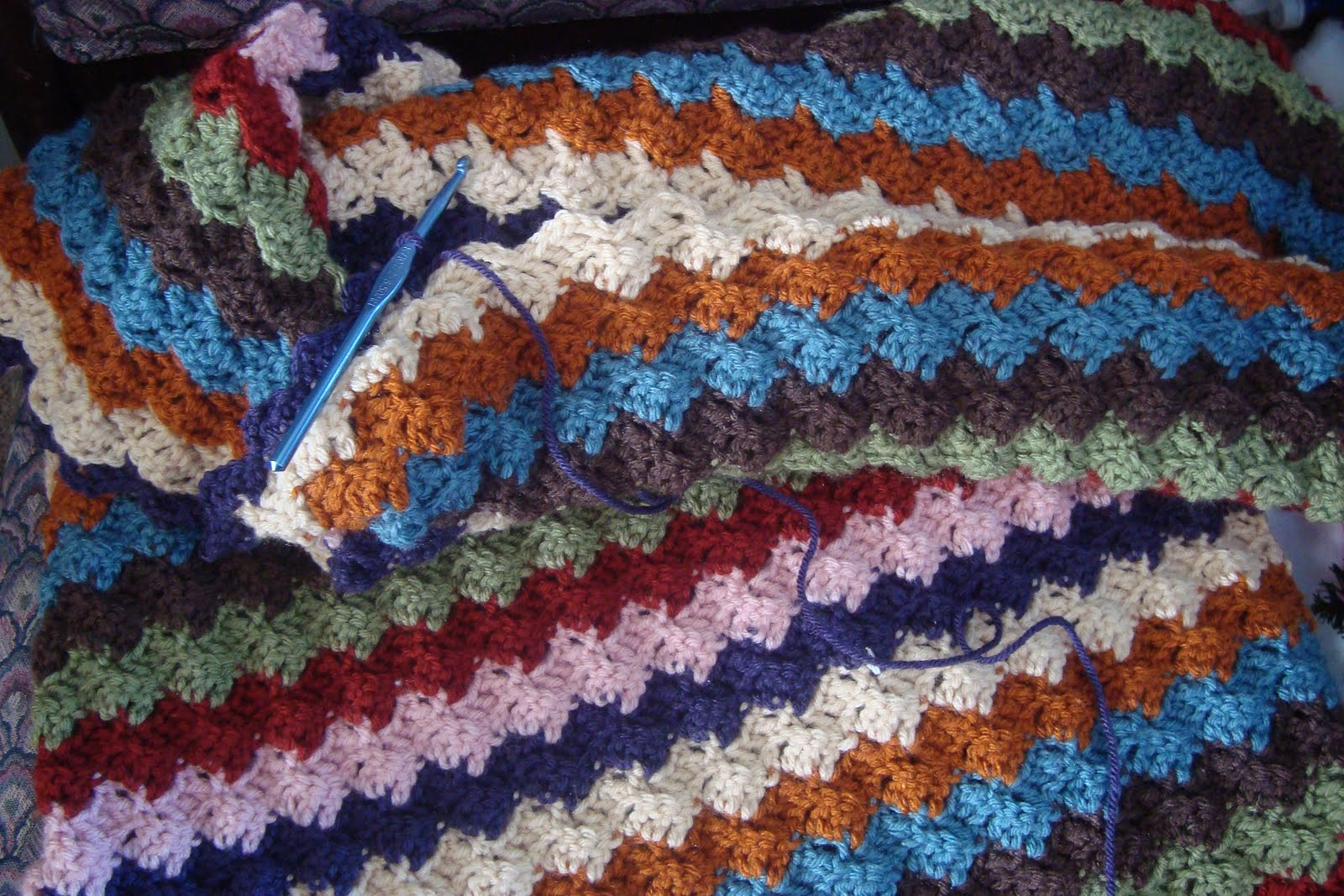 Free Modern Granny Scarf Pattern - FREE Crochet Patterns - Maggie