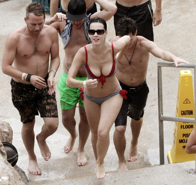 Katy Perry Bikini Candids at Atlantis Paradise Island