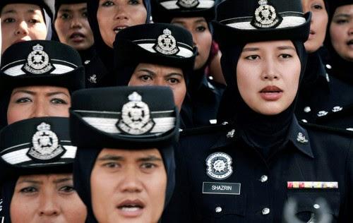polis-wanita-malaysia