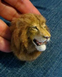 Lion mount ( 2012)