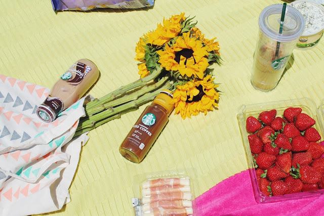 weekend picnic, LA picnic, what to pack for picnic, starbucks reusable cup