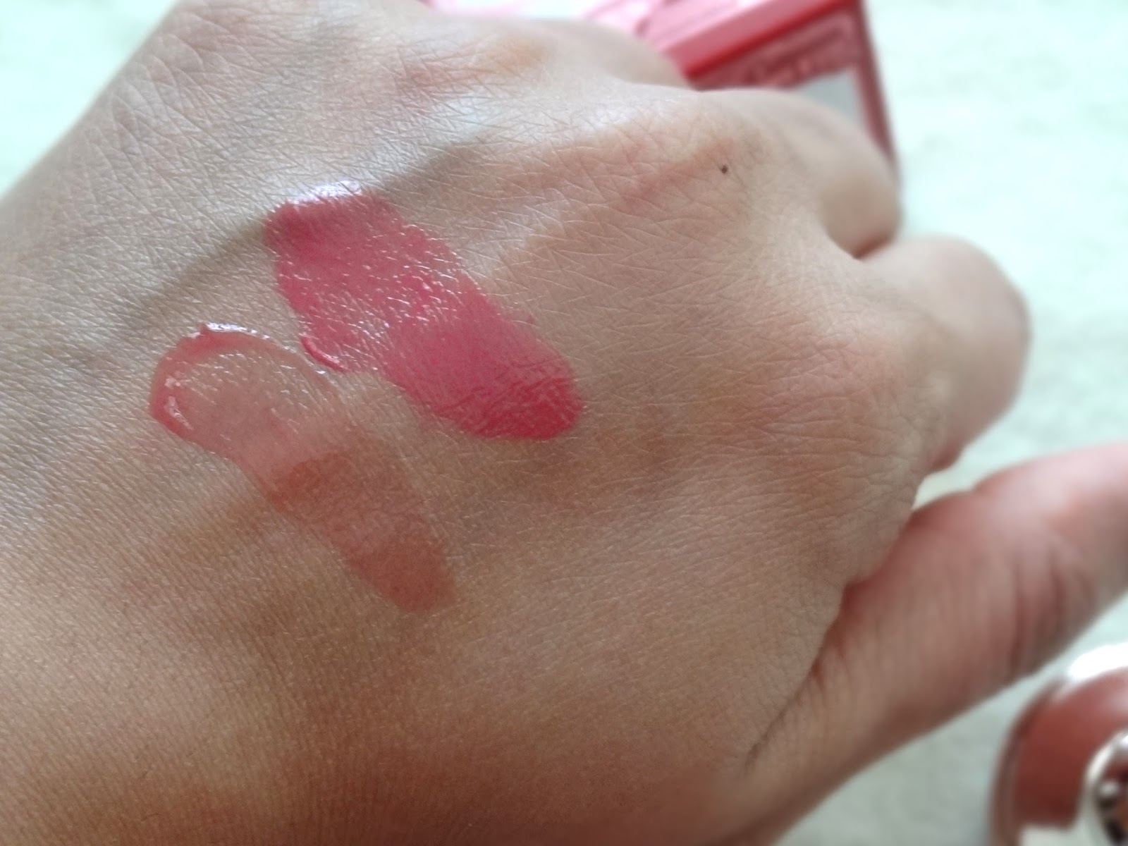 Royal Apothic Tintes Lip Butters in Pink and Berry Swatch