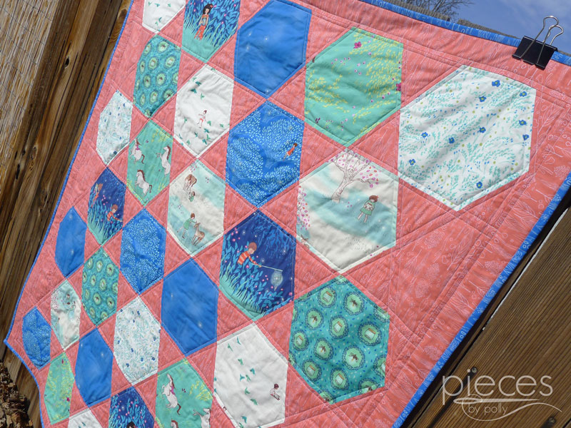Pieces by Polly: Giant Hexies Quilt with Wee Wander Fabrics - FREE ... : hexagon quilt pattern free - Adamdwight.com