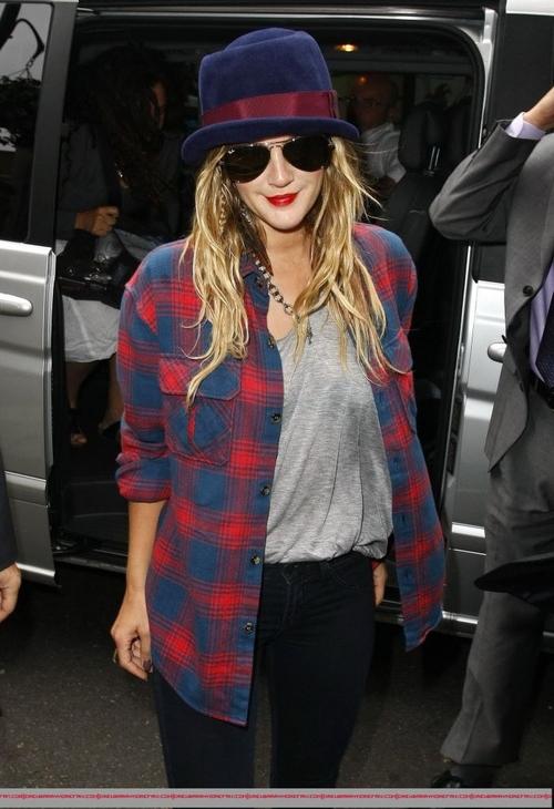 Love Her Style Elle Est Tres Belle Et J Aime Son Style