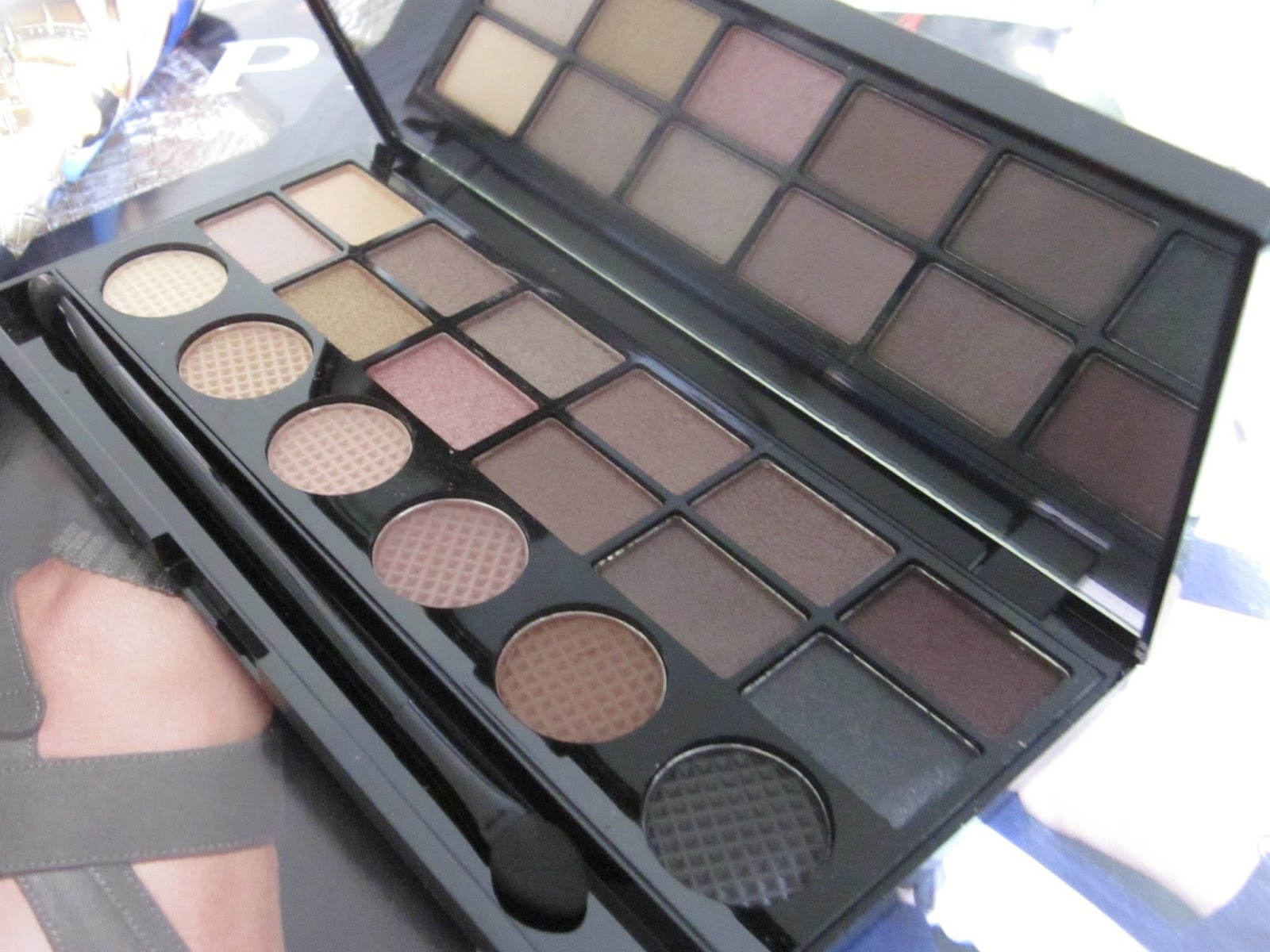 make up revolution what you waiting for palette
