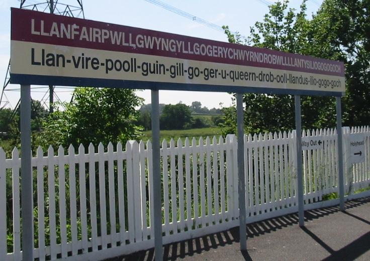Llanfairpwllgwyngyllgogerychwyrndrobwllllantysiliogogogoch - nama tempat terpanjang di dunia