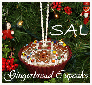 SAL Gingerbread Cupcake
