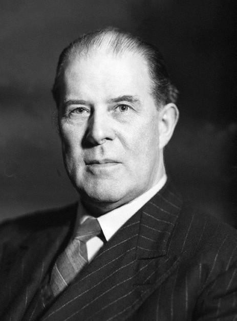 A portrait photo of Edmund Clerihew Bentley