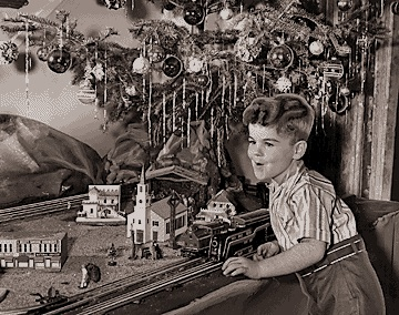 Train sets under the christmas tree were really popular from the 1930
