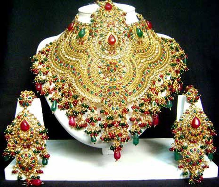 Indian Wedding Jewelry Sets Bangles Rings Box Designs Band Lates Gold Earnings Ads Photos Images Pics