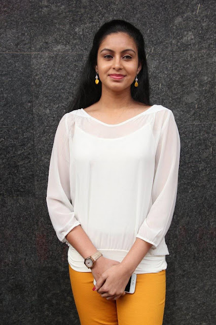 Abhinaya Latest Photos At Vizhithiru Movie Audio Launch