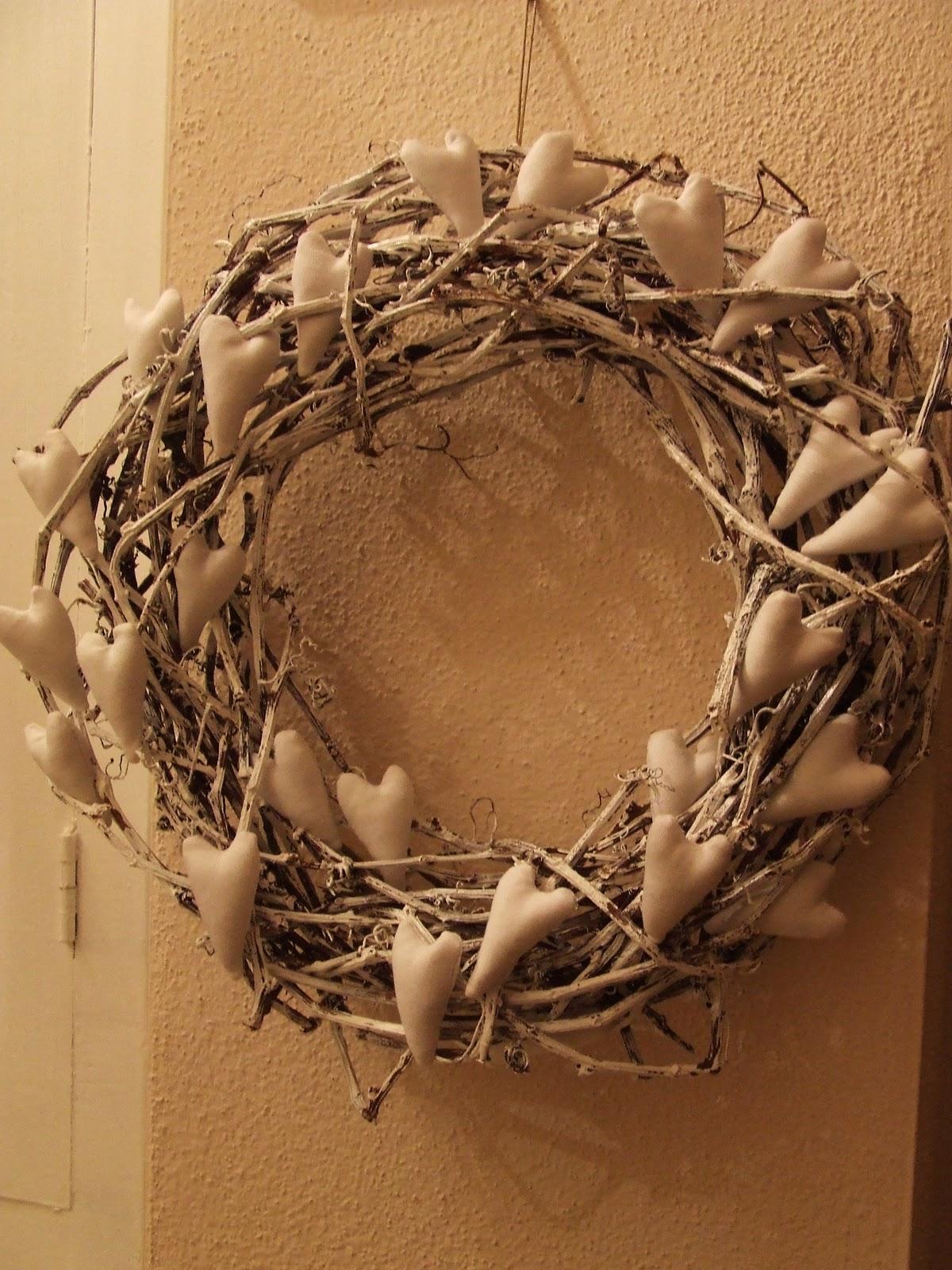 Rose e merletti corone fuoriporta decorazioni da appendere - Corone natalizie da appendere alla porta ...