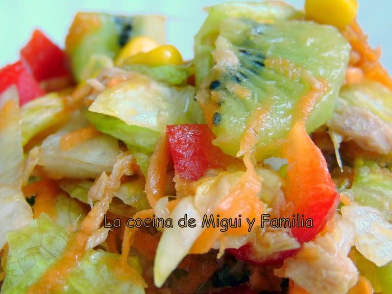 La cocina de migui y familia ensalada variada con kiwi for Canal cocina cocina de familia