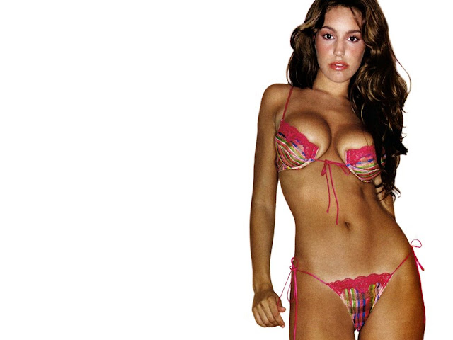 Hot Kelly Brook's Wallpaper | World Amazing Wallpapers | Hot Actress ...