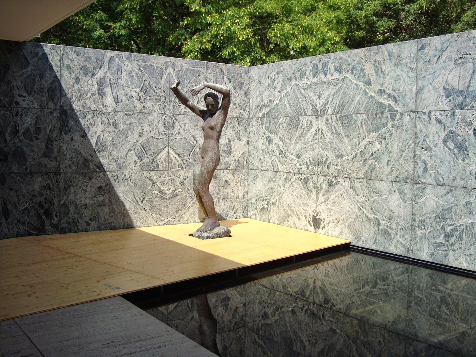 esta escultura no fue creada para el pabelln sino que la seleccin mies van der rohe se puede encontrar en el de berln
