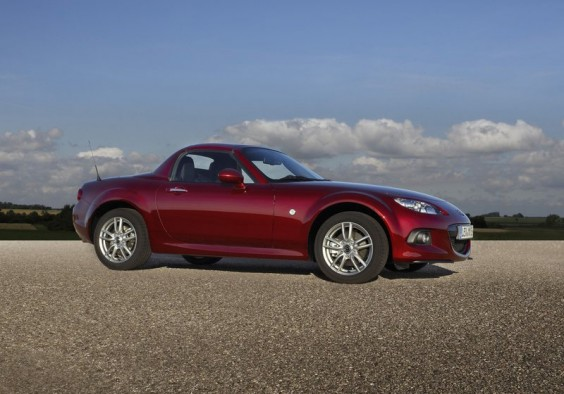 http://4.bp.blogspot.com/-XPdlPtXgmDg/UNh26XE8YrI/AAAAAAAAGVk/4DXsTus9n5c/s1600/2013+Mazda+MX-5+Roadster+Coupe+2.jpg