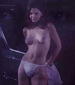 Sombra caliente desnuda en miedo primario
